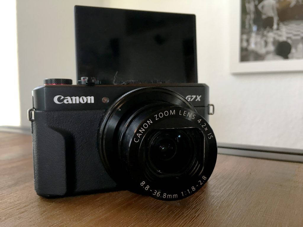 Canon G7X Mark II aufgeklappt oben